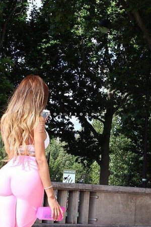 Yllona escort girl