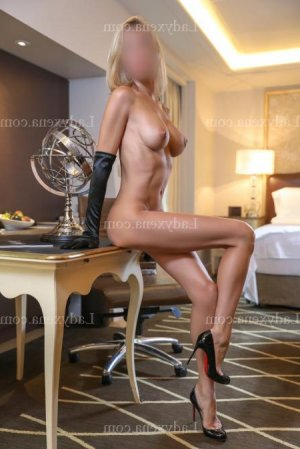 Maell massage érotique escort girl lovesita à Jaunay-Clan