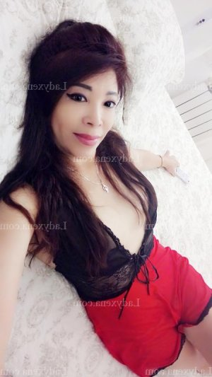 Chanone massage sexemodel