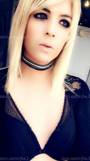 Marie-joele massage sexe tescort escorte girl à Clisson