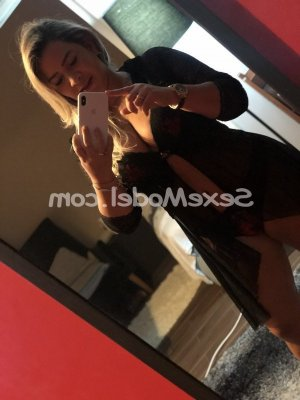 Patrizzia massage sexy escorte girl à Baillargues